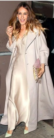 love the bag she is holding - flipped