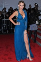 Stunning in Versace…Blake Lively wore this glamorous one sleeve gown with plunging neckline and high front slit, to the 2009 Met Ball. celebrity style – red carpet fashion – Blake Lively's style evolution – #blakelively