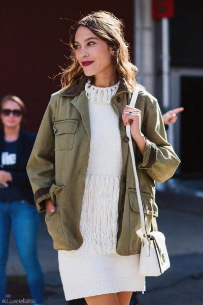 Alexa Chung style…arriving at 3.1 Phillip Lim S/S 2016 NYFW. Celebrity fashion | style icons | knitted dresses | Front Row celebrities | New York Fashion Week street style - flipped