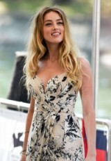 Amber Heard's long blonde wavy hair looked heavenly at the 2015 Venice Film Festival. Celebrity hairstyles   make-up & beauty