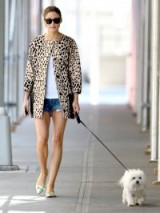 Olivia Palermo's casual chic style. Amimal prints / celebrity street fashion / style icons