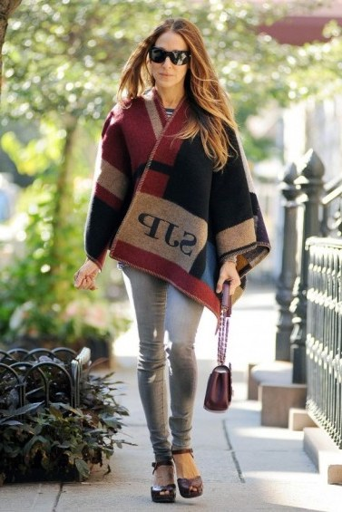 Sarah Jessica Parker wearing a Burberry monogram blanket cape. SJP street fashion ~ designer capes ~ style icons - flipped