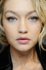 Model Gigi Hadid for the Max Mara fashion show Fall 2015, with on-trend cat eye makeup and delicate pink lips. Models / runway beauty / inspiration