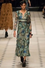 Luxe dresses – Burberry Prorsum Ready to Wear F/W 2015. Luxury fashion / designer clothing / floral embroidery