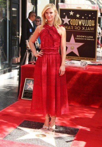 Claire Danes wearing a red Oscar de la Renta lace ruffle dress, was honored with her Hollywood Walk of Fame star, 24 September 2015. Celebrity fashion | star style | designer dresses | events - flipped