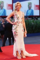 Elizabeth Banks wearing a white Marches gown with pink roses ~ Venice 2015. celebrity events ~ red carpet gowns ~ star style ~ designer dresses