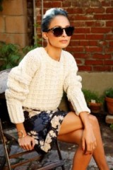 Love this chunky cream sweater and floral skirt on Nicole Richie. Style inspiration | Jumpers | sweaters | womens knitwear | autumn outfits