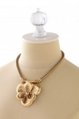 Large flower necklace from stelladot.co.uk. Luxe style necklaces / statement jewellery / luxury style accessories