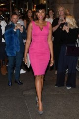 Jennifer Hudson in a hot pink pencil dress attending the Zac Posen Spring/Summer 2016 show NYFW. Celebrity fashion | star style | bodycon dresses | Front Row celebrities
