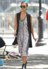 Jessica Alba street style out in NYC, September 2015. Celebrity style | outfits