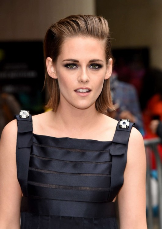 Kristen Stewart's slick back hair and smoky eyes at the 2015 TIFF. Celebrity makeup | beauty