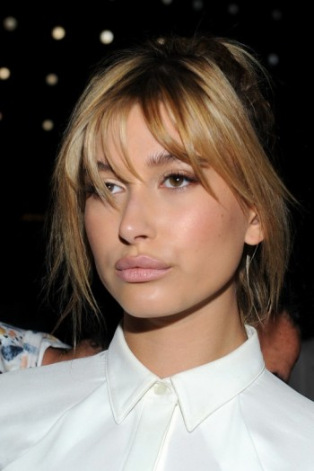 Model Hailey Baldwin S Messy High Ponytail At The Public
