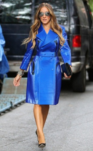 Sarah Jessica Parker at NYFW September 2013, wearing an electric blue Calvin Klein coat. SJP fashion | designer coats | style icons