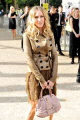 Sarah Jessica Parker wearing a Burberry Prorsum leather double breasted jacket and ruffled lace dress. SJP outfits | style icons