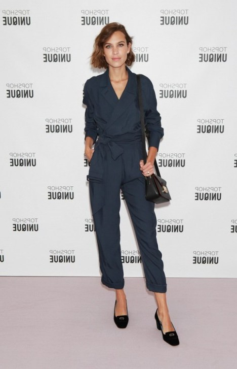 Alexa Chung attends Topshop Unique S/S 2016 at LFW. Style icons / celebrity outfits / celebrities at London Fashion Week  # - flipped