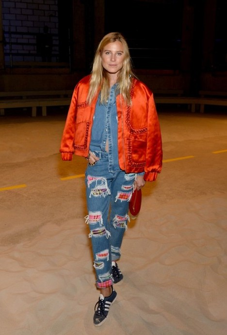 Dree Hemmingway attends House of Holland S/S 2016 LFW. Drees jeans are from houseofholland.co.uk. Celebrity style / designer fashion  # - flipped