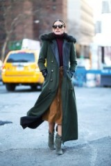 Style icon Olivia Palermo in New York with her perfect 70s look autumn / winter street style for 2015. Chic cold weather outfits / outfit inspiration