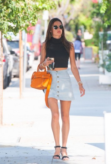 Model alessandra ambrosio street style out in los angeles Fashion style october 2015