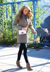 Blake Lively autumn street style. #blakelively – casual celebrity outfits