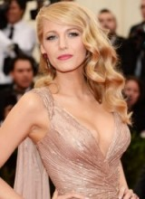 Blake Lively looks stunning with her hair in glamorous Hollywood waves. #blakelively – celebrity hairstyles – makeup & beauty