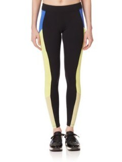 Alo Yoga Ascendant Colorblock Leggings – as worn by Gigi Hadid, October 2015. Celebrity fashion | star style | womens sports clothing | running pants | what celebrities wear - flipped