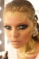 Gold metallic make-up & sequins – metallics & beauty
