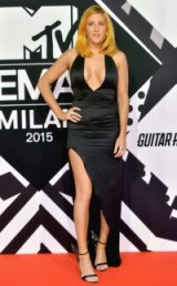Sorry, but Ellie Goulding's unflattering look at the 2015 MTV EMAs did nothing for me, and I don't think her new hair do and black plunging gown did anything for her either…but I did love her Sophia Webster Evangeline angel-wing satin sandals matchesfashion.com. Sorry Ellie, you usually look so lovely. Celebrity fashion | star style | celebrities at events | outfits