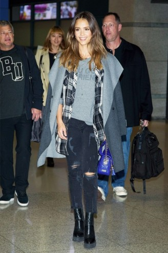 Jessica Alba travel style…wearing a pair of black destroyed cropped jeans, grey blanket coat & ankle boots. Celebrities wearing denim   celebrity fashion   star style   outfit inspiration