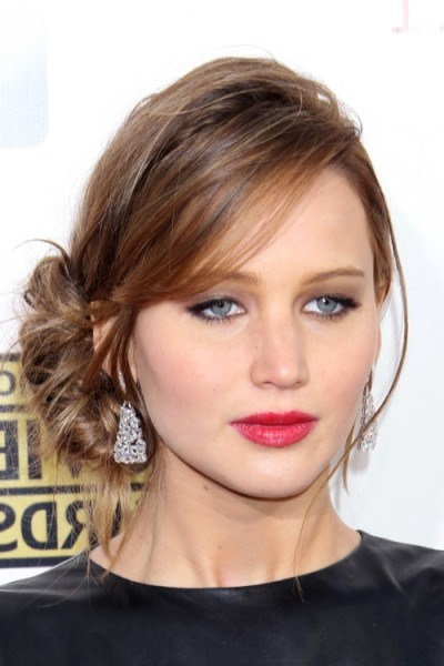 Jennifer Lawrence's side updo in January 2013. Celebrity hairstyles   star style updos   hair and beauty - flipped