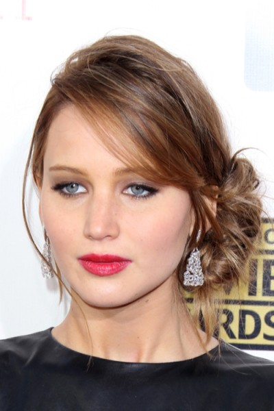 Jennifer Lawrence's side updo in January 2013. Celebrity hairstyles   star style updos   hair and beauty