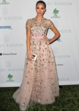 Jessica Alba wearing a beautiful pale pink floral gown. embroidered flowers / Valentino gowns / celebrity fashion