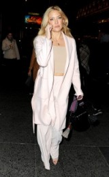 Kate Hudson out in New York attending a performance of Hamilton, October 2015. Celebrity fashion | star style | outfits