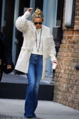 Kate Hudson out in NYC wearing a nude Loeffler Randall blocked shearling coat loefflerrandall.com, 18 October 2015. Celebrity fashion | designer winter coats | street style | what celebrities wear