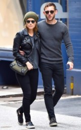 Kate Mara & Jamie Bell out and about in New York City, 22 October 2015. Casual celebrity street style | celebrity couples | fashion & outfits