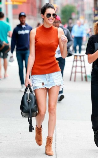 Kendall Jenner Casual Street Style Out And About In New York