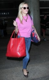Reese Witherspoon's travel style
