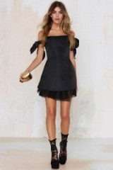 To Be Adored – Cassie Off The Shoulder dress black. Party dresses – evening glamour – going out fashion