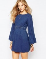 Vero Moda 70's Denim Belted Dress blue. 70s style dresses | on trend fashion