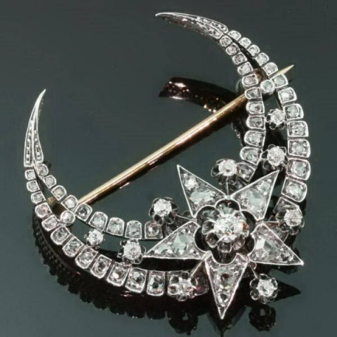 Victorian crescent moon and star brooch. Diamond brooches – antique jewellery