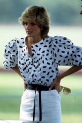 Princess of style – Diana at a polo match in August 1983 wearing a white and black collarless blouse with full sleeves, tucked into a white pencil skirt, and to finish off her look, a black leather obi belt tied at the waist. Diana's fashion ~ royal outfits ~ royals
