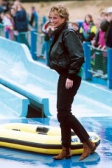 Princess Diana having fun at Thorpe Park in 1993. Diana's casual style ~ royal fashion ~ royalty