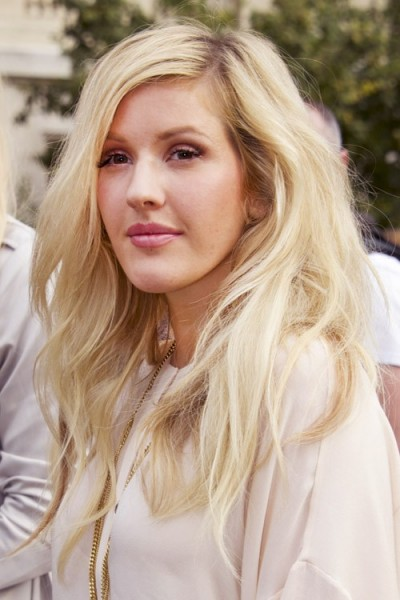 Ellie Goulding S Long Blonde Wavy Hair Celebrity