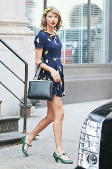 Taylor Swift Wearing A Pair Of Green Vintage Style Mary Jane Shoes