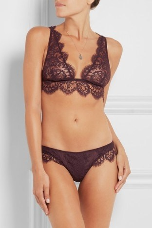 I.D. SARRIERI Noir Comme la Robe Chantilly lace soft-cup bra ~ luxury lingerie ~ lacy bras ~ designer underwear ~ feminine ~ scalloped edges - flipped