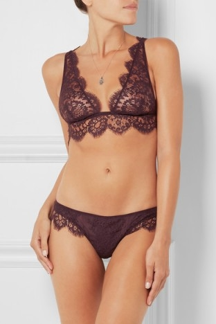 I.D. SARRIERI Noir Comme la Robe Chantilly lace soft-cup bra ~ luxury lingerie ~ lacy bras ~ designer underwear ~ feminine ~ scalloped edges