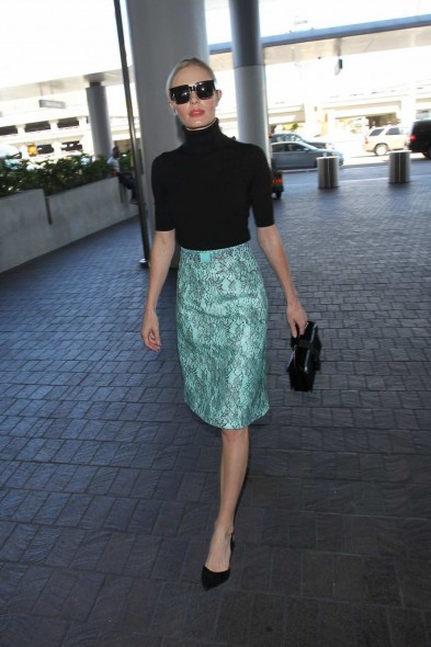 Kate Bosworth's travel style arriving at LAX airport, October 2015. Celebrity fashion | chic outfits | celebrities