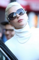 Lady Gaga's chic look out in New York City. Celebrity style / chic looks / hair & beauty / celebrities in sunglasses