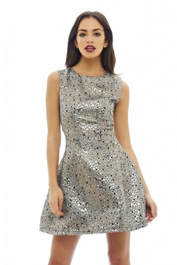 The Skater Dress. In a flattering fit and flare shape, the skater dress is a wardrobe staple. Easy to dress up or down, skater dresses can be worn as part of your everyday, office or evening look.