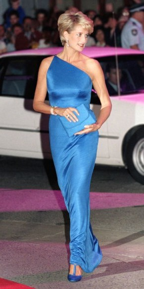 Princess Diana wearing an electric blue Versace one shoulder gown in Sydney, Australia, on November 4 1996. Diana's style ~ royal fashion ~ royalty ~ designer gowns - flipped
