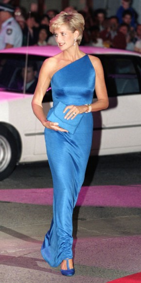 Princess Diana wearing an electric blue Versace one shoulder gown in Sydney, Australia, on November 4 1996. Diana's style ~ royal fashion ~ royalty ~ designer gowns